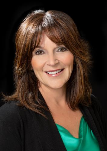 Cindy Detlefs a Denver Office Real Estate Agent
